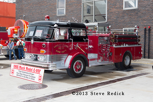 C-Model Mack fire engine