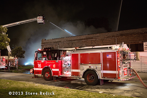 nighttime fire in Chicago