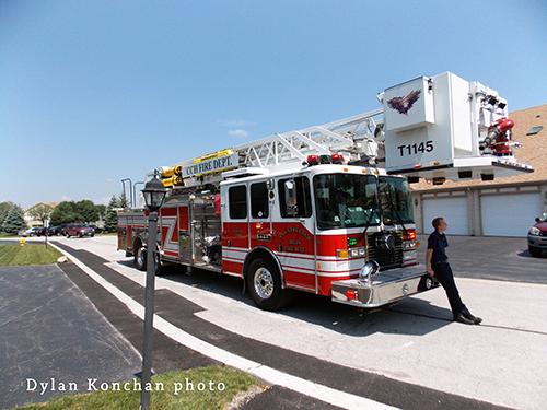 Cfountry Club Hills Fire Department tower ladder