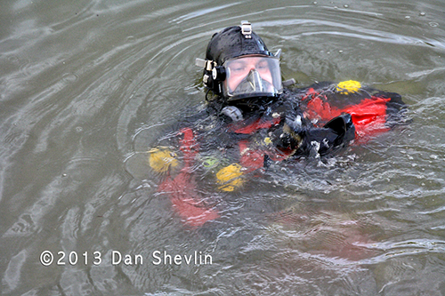Chicago Fire Department Divers response