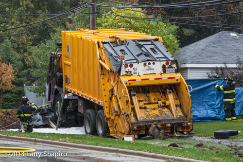 garbage truck crash kills several in Glenview
