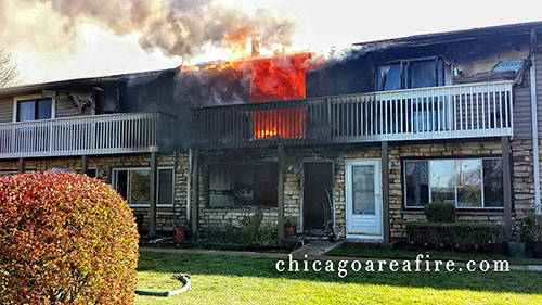 2-alarm townhouse fire in Gurnee injures 3 firefighters 10-27-13
