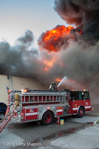 mattress store fire in Chicago