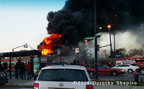 4-alarm fire on Chicago's north side destroys strip center and 5 stores
