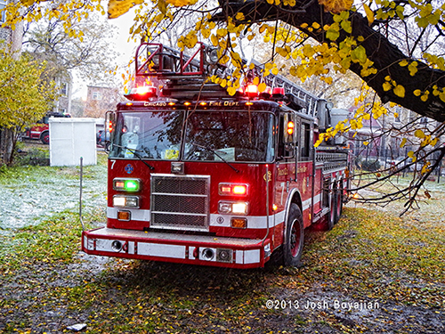 Chicago FD ladder truck photo