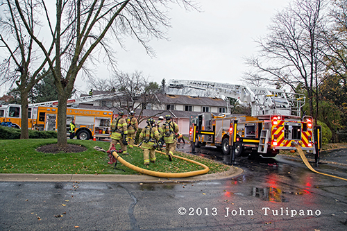 Lisle-Woodridge FPD tackles townhouse fire