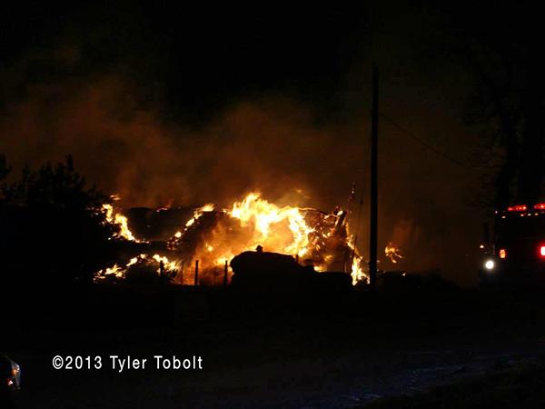 5-Alarm fire destroys barn in Union IL Woodstock Fire Rescue District