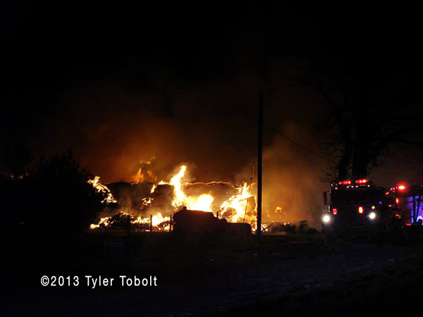 5-Alarm fire destroys barn in Union IL Woodstock Fire Rescue District