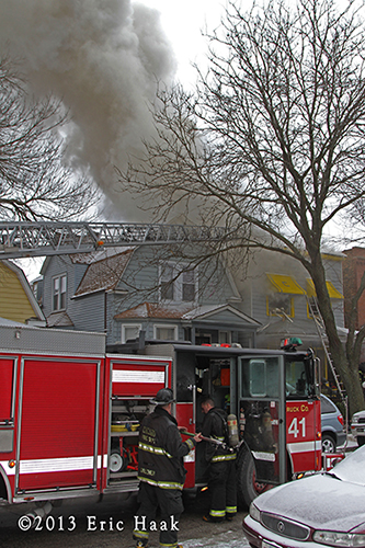 Chicago firefighters battle fire on Christmas day