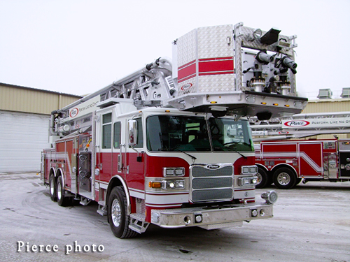 Pierce Arrow XT tower ladder demo