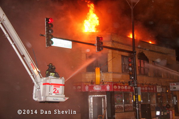 Chicago FD Snorkel attacke commercial building fire at night
