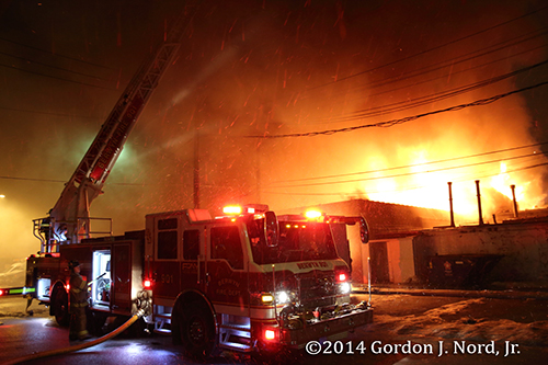 2-Alarm fire guts stores in Berwyn 1-16-14