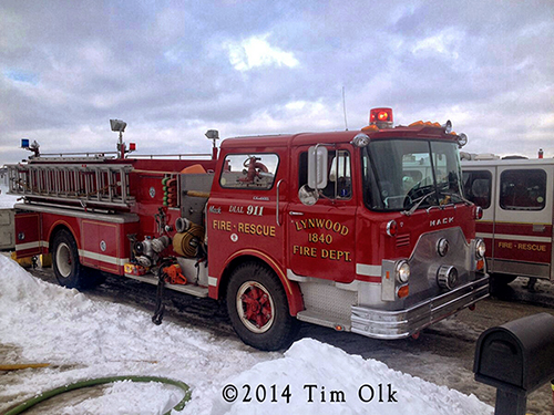Mack CF fire engine photo