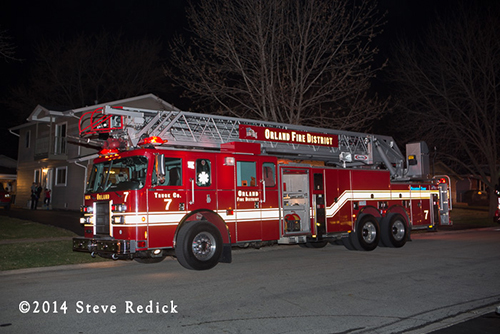 Orland FPD Pierce aerial ladder