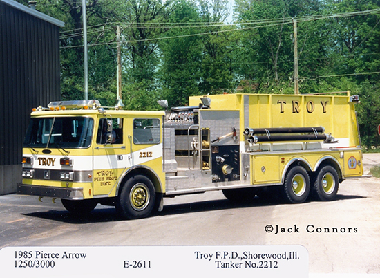 Pierce Arrow pumper tanker fire engine