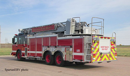 Chicago FD aerial ladder truck
