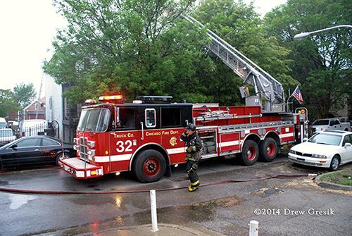 Chicago FD ladder truck