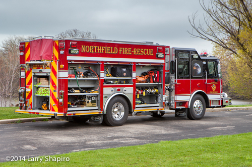 E-ONE e-Max fire engine