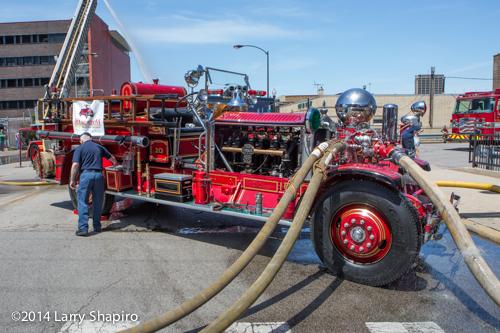 1923 Ahrens Fox fire engine