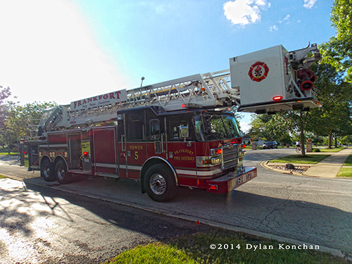 Frankfort FPD tower ladder