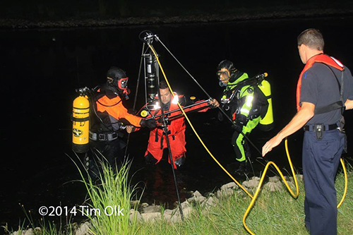 fire department divers at night
