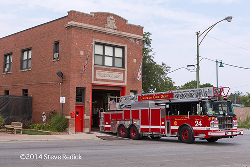Chicago FD SpartanERV aerial ladder truck