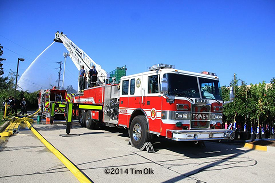 Pierce tower ladder working
