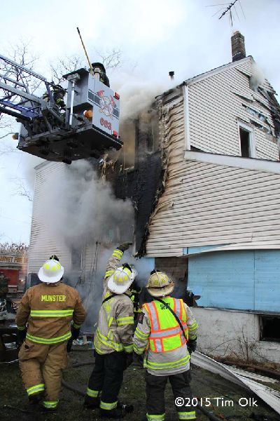 fire chiefs supervise house fire