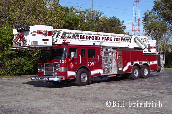 Bedford park FD Truck 709 Pierce Dash tower ladder