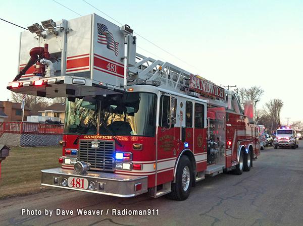 Sandwich FPD fire truck
