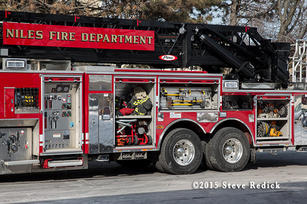 Niles FD Tower 2 Pierce Dash CF PUC platform aerial