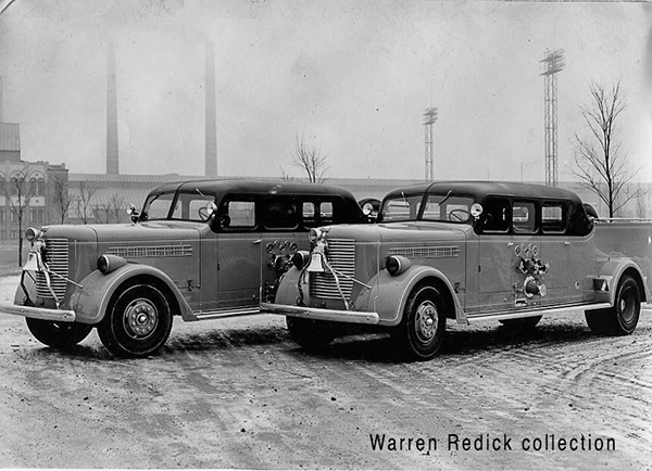 2 Chicago 1938 Pirsch Sedan pumpers