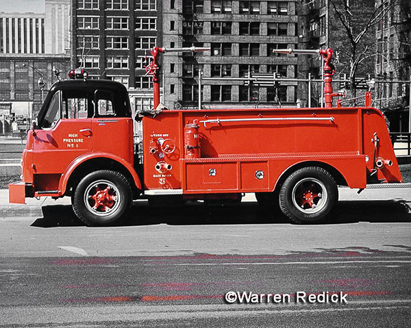vintage photo of Chicago FD Pressure Wagon 1 fire engine