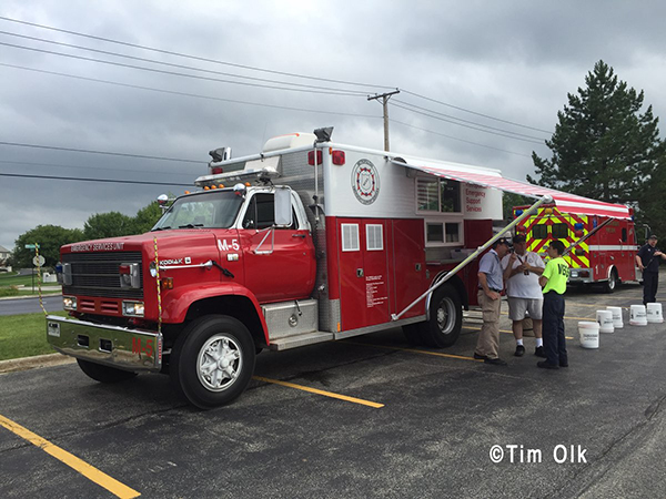 MESS Emergency Canteen Service assisting firefighters