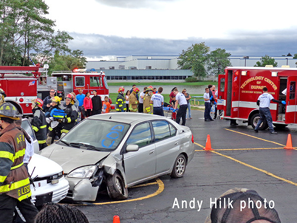 students simulate crash rescue