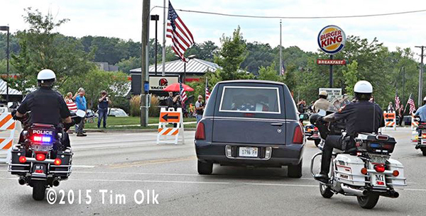 funeral procession for fallen police officer
