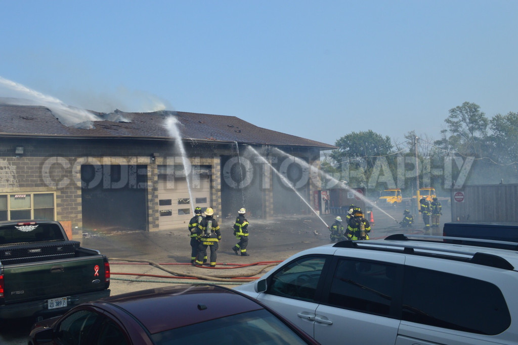 Pleasantview FPD battles an auto body shop fire