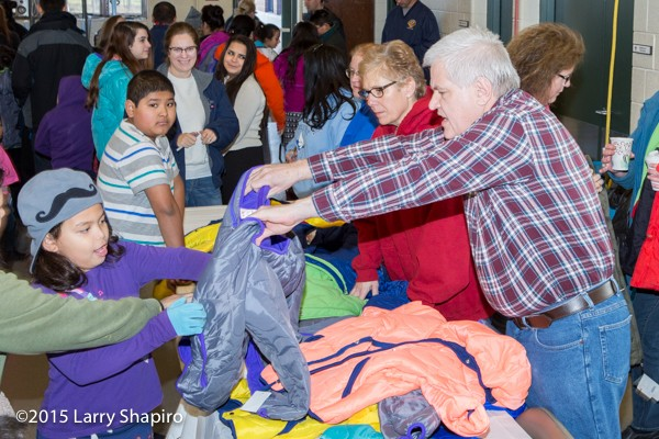 children get free winter coats