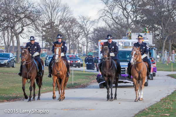 Chicago PD mounted patrol at funeral