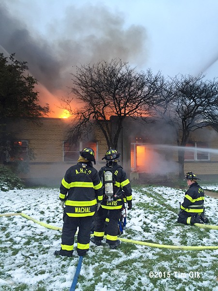 building fire in Arlington Heights