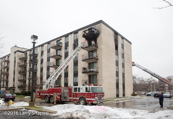 Niles fire truck at apartment fire