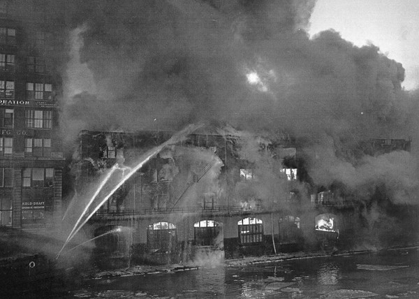 historic photo of Chicago fireboat in action