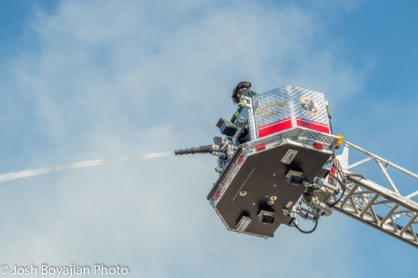 Bedford Park FD Tower Ladder 709