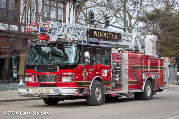 Winnetka FD Truck 28 Smeal