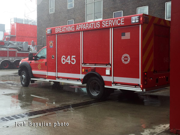 Chicago FD Air Mask Service Unit 645