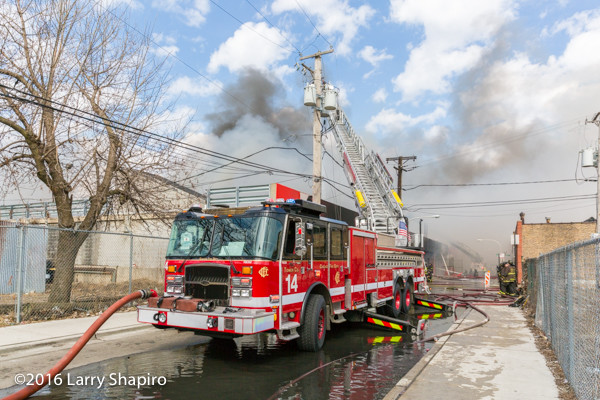 E-ONE Cyclone II tower ladder at work in Chicago