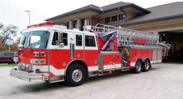 Wheeling Truck 24 for sale - 1994 Sutphen tower ladder.