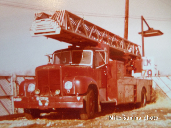 Mack Magirus aerial ladder from Chicago