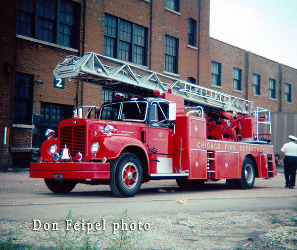 Chicago FD Mack Magirus ladder