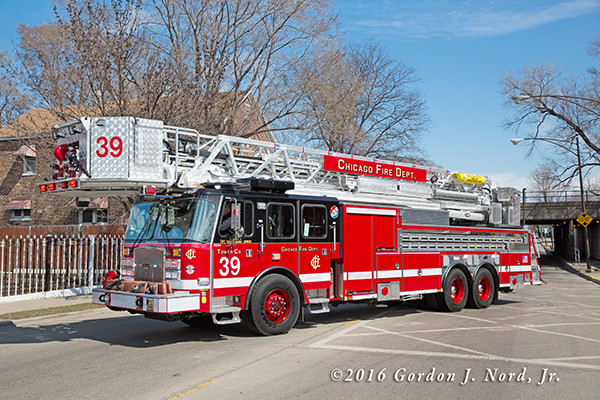 Chicago Tower Ladder 39, 2016 E-ONE Cyclone 11 HP100 tower ladder
